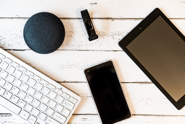 タブレットを業務活用することで何が変わる?そのメリットや活用事例を紹介