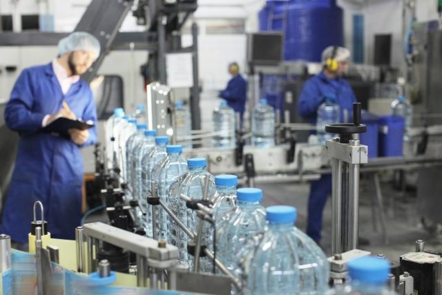 製造業が厳しい立場に置かれている理由
