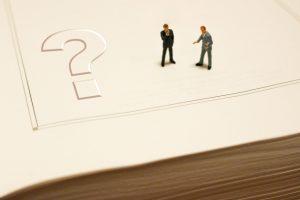 カスタマイズされた勤怠管理システムはパッケージとどう違う?それぞれのメリット・デメリットを解説