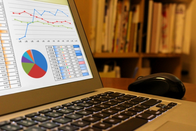 エクセル管理はもう限界。効率的に管理業務を行う方法と業務システム導入のポイントとは